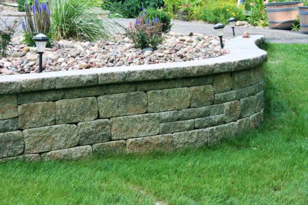 unilock estate wall